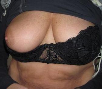 monica zoekt een sexdate